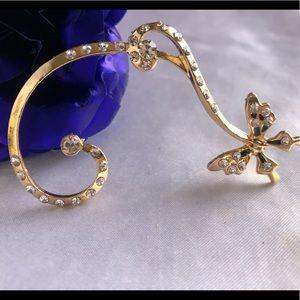 Jewelry - Gold earrings (cuff)